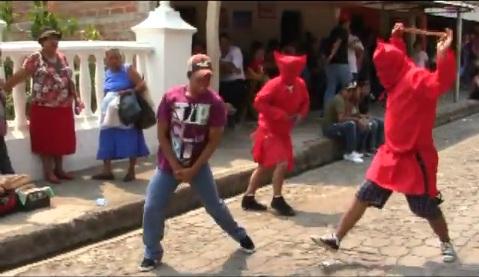 whipping devil El Salvador