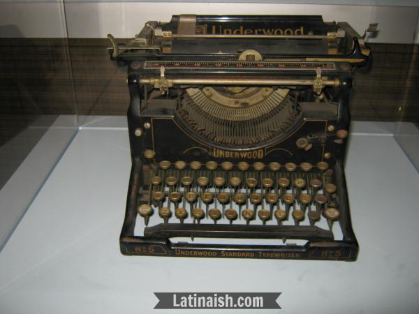 Arias used this Underwood No. 5 typewriter.