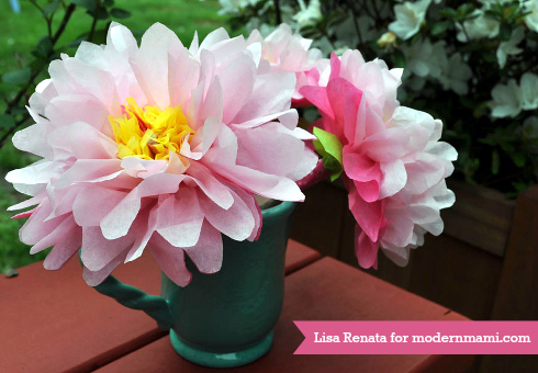 DIY_tissue_flowers_craft-modernmami