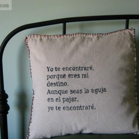 Holiday page 3 latinaish do it yourself love song pillow for da de san valentn solutioingenieria Choice Image