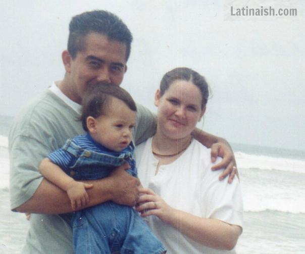 Tracy, Carlos y nuestro hijo mayor - 1999, La Playa Libertad, El Salvador