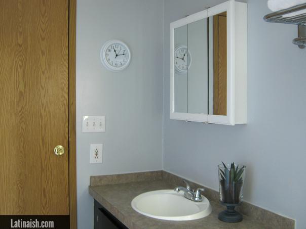 finished-bathroom-makeover-1