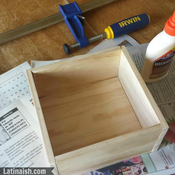 Glue-Box